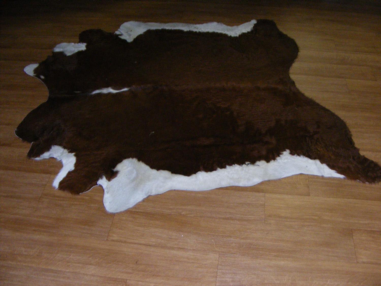antikcostume peaux de vache. Black Bedroom Furniture Sets. Home Design Ideas